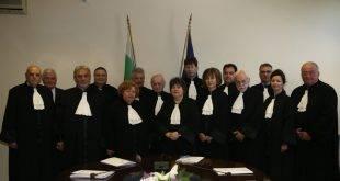 Адвокатите от цялата страна избират кой да ги ръководи през следващите четири години