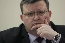 Със 17 срещу 6: ВСС отказа проверка на Цацаров за срещата с Дончев и Гергов (дебатът, какъвто беше)