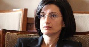 """Соня Найденова: """"Вътрешният"""" проблем на Полша с независимостта на съдиите може да почука у нас. Но на чие рамо ще плачем?"""