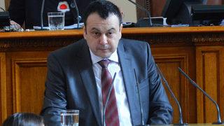 Нова промяна за кариерните бонуси на кадровиците предлага депутат от ДПС