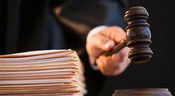Пленумът на ВС:  Ако поради уплаха са превишени пределите на неизбежна отбрана, деецът се признава за виновен, но не се  наказва