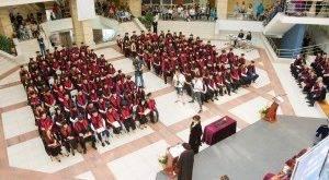 Бургаският свободен университет изпрати над 300 абсолвенти,  най-много са юристите