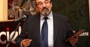 Почетно пенсионират от днес съдия Александър Еленков, оставаха му дни мандат в КАК