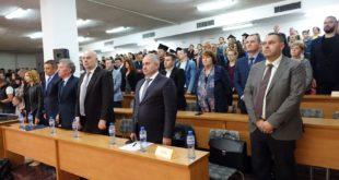 """174 студенти по право от Югозападния университет """"Неофит Рилски"""" получиха дипломите си"""