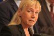 """Елена Йончева предава на прокуратурата автентичен запис по аферата """"Ало, Банов съм"""""""