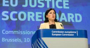 Еврокомисарят Вера Юрова опроверга Бойко Борисов, че мониторингът ще отпадне тази година