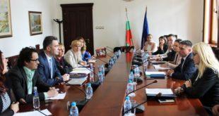 Данаил Кирилов е запознал адвокати с мерки за подобряване на регистърните производства в Агенция по вписванията
