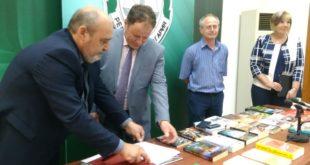 Прокурори и следователи от Бургаския апелативен район дариха над 220 книги на лишените от свобода