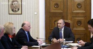 Трима от ВСС отидоха на среща с Румен Радев за промените в Конституцията