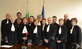 Безпрецедентни маниери: Двама адвокати са лишени от права за злепоставяне на адвокатската професия
