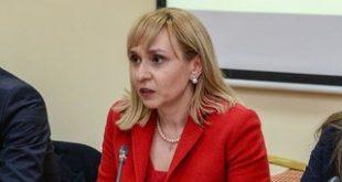 Ковачева предлага спешни мерки за защита от фирми за бързи кредити, колектори и ЧСИ