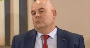 Как съдилият Гешев за дискриминация Христо Николов плати двойно за разноските на главния прокурор