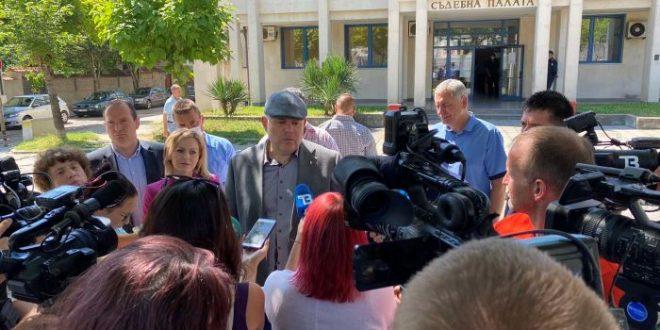 """Иван Гешев: Медиите канонизират """"тези"""" бизнесмени, не защото ги обичат, а защото им се плаща"""