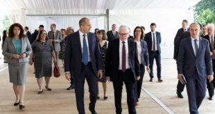 Посланиците на ЕС пред президента:  Протестиращите граждани са гарант за бъдещето на демокрацията в България