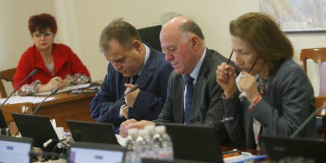 Формално и без мотиви ВСС подкрепи пред КС искането на Гешев срещу изслушването му в парламента