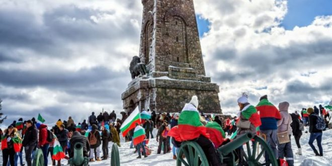 От урва на урва и от век на век: Честит славен национален празник!
