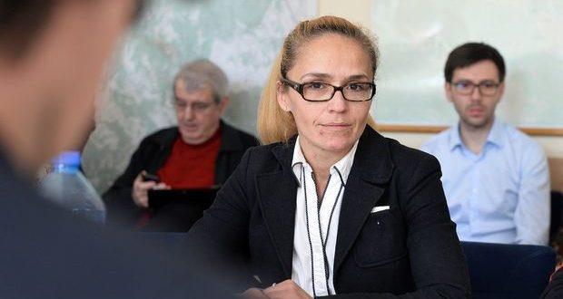 """Десислава Иванчева завежда дело срещу в. """"Уикенд"""" за клевета"""
