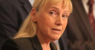 Елена Йончева настоява главният прокурор да провери произхода на парите за къщата в Барселона