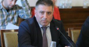 Оставката на министър Данаил Кирилов искат шест неправителствени организации