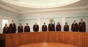 Би било правен оксиморон Конституционният съд да тълкува искането на главния прокурор за имунитета на президента