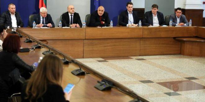 Правителството поиска извънредното положение да се удължи с още месец – до 13 май