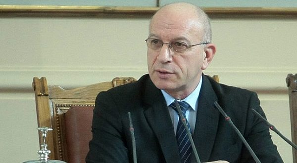 Трима от ГЕРБ предложиха промени в извънредния закон