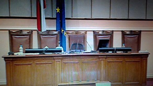 (Почти) полунощно гласуване на извънредния закон: Пълен списък на делата, които ще се гледат, намалените глоби и други новости