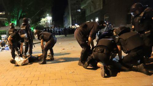 Равносметка: Нито едно уволнение за полицаите, малтретирали протестиращи на 10 юли м.г.