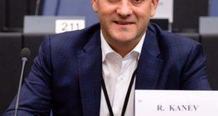 """Радан Кънев информира ЕНП за """"позорните дела"""" на главния прокурор"""