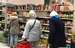 """От събота:  """"Зеленият коридор"""" за пазар в хранителните магазини от хора над 65 г. ще е само един – от 8.30 до 10.30 ч."""