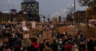 Хиляди на протест в Полша срещу влязлото в сила решение за забрана на абортите поради вроден дефект на плода