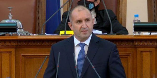 """Президентът: Чистка ли?  Къде бяха медиите, когато управлението  """"Борисов""""  извърши подгром над цялата администрация?!"""