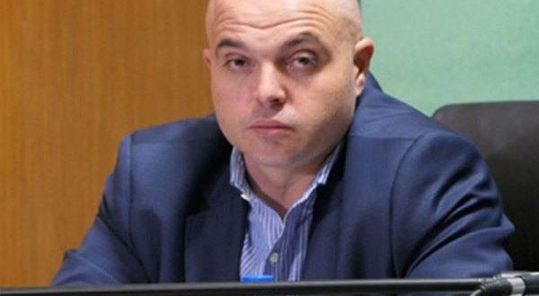 """Полицейското насилие над протестиращите срещу кабинета """"Борисов"""", е мотивът за освобождаване на гл. секретар на МВР (пълен текст)"""