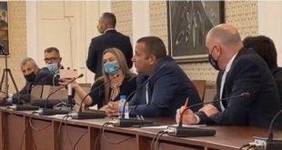 Депутатите от ГЕРБ опитаха да саботират  изслушването на свидетеля Светослав Илчовски пред комисията в НС (допълнена)